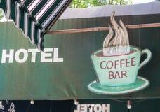 De winkelteken van de hotelkoffie stock afbeeldingen