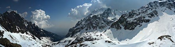 De winter in bergen Stock Foto's