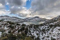 De winter bij Meer Cuber in Serra de Tramuntana Stock Afbeelding
