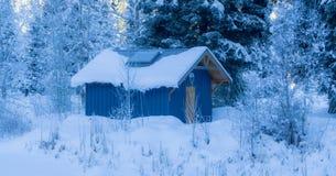 De winter blauw huis Royalty-vrije Stock Fotografie