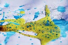 De winter blauwe gele gouden witte achtergrond en zilverachtige het fonkelen lichten Royalty-vrije Stock Fotografie