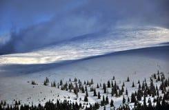 De winter in de Sureanu-Bergen, Roemenië royalty-vrije stock foto's