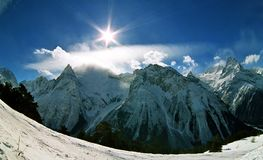 De winter in Dombai stock afbeeldingen