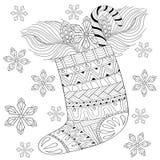 De winter gebreide Kerstmissok met gift van Kerstman in zentangle Royalty-vrije Stock Afbeeldingen