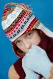 De winter gekleed meisje royalty-vrije stock afbeeldingen