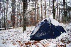 De winter het kamperen Royalty-vrije Stock Afbeeldingen