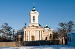 De winter Irkoetsk. Restauratie van een tempel royalty-vrije stock foto