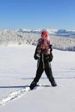 De winter: mamma met baby in sneeuw Stock Foto