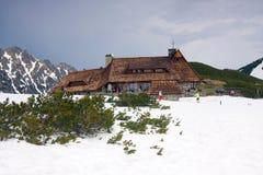 De winter in 5 merenvallei in Hoge Tatra-Bergen royalty-vrije stock fotografie