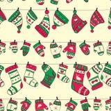 De winter naadloos patroon met rode groene sokken mitte Royalty-vrije Stock Foto's