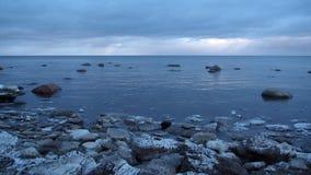 De winter overzeese kust Stock Foto