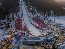 De winter Panoramische Wielka Krokiew Ski Jump Zakopane, zonnig, hommelantenne royalty-vrije stock foto's