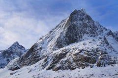 De winter ruw landschap in Lofoten-Archipel stock foto's