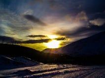 De winter, Sneeuw en Zon Royalty-vrije Stock Afbeeldingen
