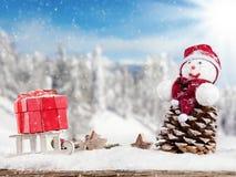 De winter sneeuwlandschap met de sneeuwmens Stock Foto