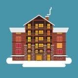 De winter wodden, baksteen, groot huis of hotel Met sneeuwdak Stock Afbeelding