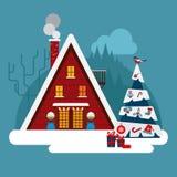 De winter wodden, baksteen, groot huis of hotel Met sneeuwdak Royalty-vrije Stock Foto
