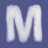 De winteralfabet, symbolen van watten worden gemaakt die blauwe geïsoleerde achtergrond Alle Brieven Hoge Resolutie Royalty-vrije Stock Foto