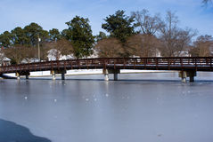 De winterbrug Stock Afbeelding
