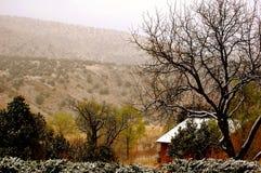 De wintercabine in de bergen Royalty-vrije Stock Fotografie