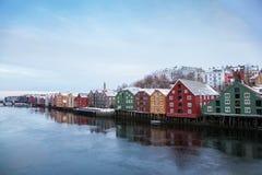 De wintercityscape Noorwegen van Trondheim Royalty-vrije Stock Afbeeldingen