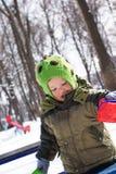 De wintergang voor baby op speelplaats Stock Foto's