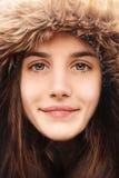 De winterglimlach stock afbeeldingen
