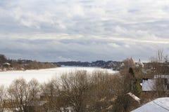 De winterkust oude Volkhov stock fotografie