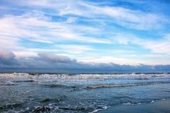 De winterkust van Kaspische overzees royalty-vrije stock foto