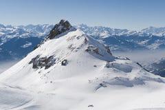 De winterlandschap in bergen met sneeuw Royalty-vrije Stock Foto