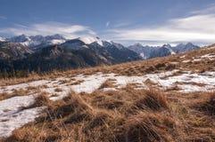 De winterlandschap op de bergopen plek Royalty-vrije Stock Fotografie