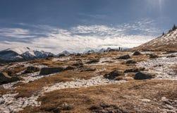 De winterlandschap op de bergopen plek Royalty-vrije Stock Foto's