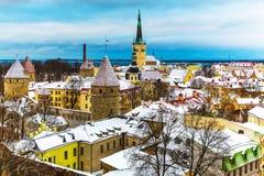 De winterlandschap van Tallinn, Estland stock afbeeldingen