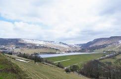 De winterlandschappen van het Nationale Park van Dovestone en Reservoirs, Piekdistrict, Engeland stock afbeeldingen