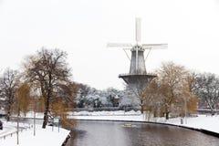 "De wintermolen ""DE Valk"" Stock Afbeelding"