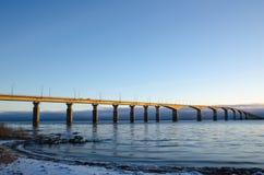 De winterochtend bij de brug Stock Fotografie