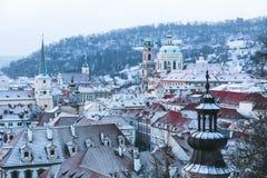 De winterochtenden in de Oude Stad van Praag royalty-vrije stock foto