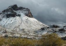 De winteronweer in de Zwarte Bergen, westelijk Arizona stock afbeelding