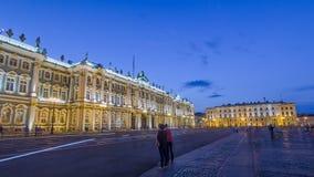 De winterpaleis in Heilige Petersburg timelapse hyperlapse stock video