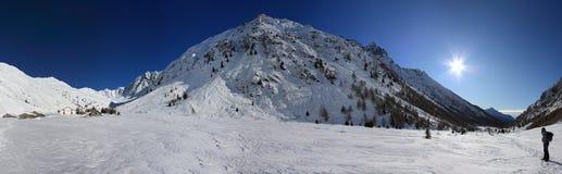 De winterpanorama van de berg Stock Afbeelding