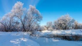 De winterpanorama van de rivier, Rusland, Ural Stock Foto's