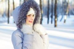 De winterportret van het meisje stock foto
