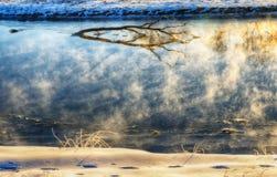 De winterrivier Stock Foto's