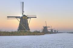 De winterscène van de windmolen Stock Afbeelding