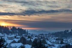 De wintersneeuw bij Zonsondergang in Gelukkige Vallei Oregon Stock Afbeeldingen