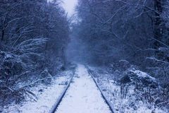 De wintersneeuw op spoorweg Stock Foto's