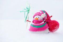 De wintersneeuwman Stock Foto's