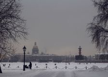 De wintersprookje in St. Petersburg stock fotografie