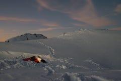 De winter die in bergen kamperen Royalty-vrije Stock Foto