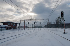 De wintertrainstation stock afbeelding
